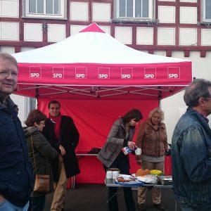 SPD-Stand auf dem Krofdorf-Gleiberger Wochenmarkt